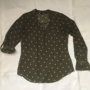 A.N.A. Green chiffon print button front blouse